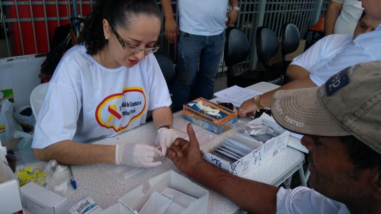 Testes rápidos de HIV serão ofertados em shopping em alusão ao Dia Mundial de Combate à Aids