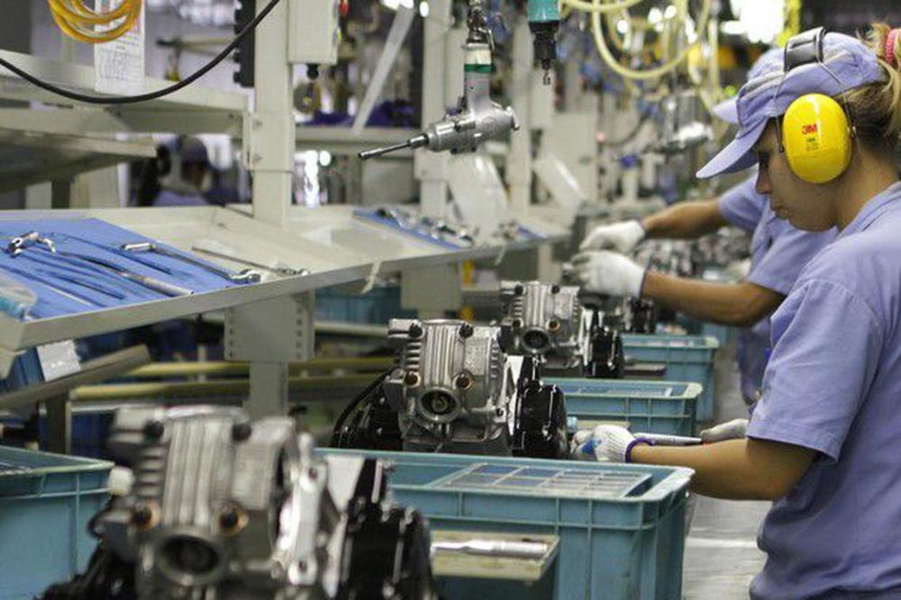 Produção industrial cresce 0,8% em outubro