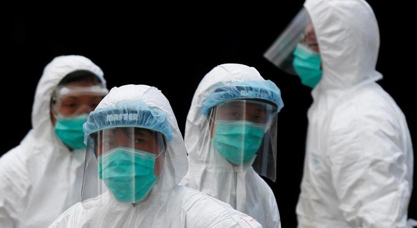 O novo vírus já provocou a morte de uma pessoa e terá afetado outras 41 Foto: Bobby Yip - Reuters