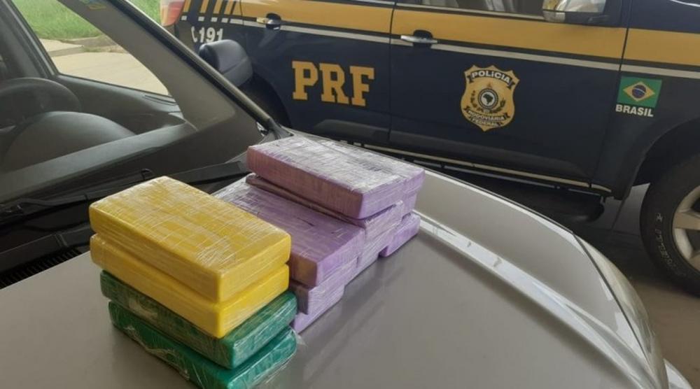 Tabletes de cocaína apreendidos em Naviraí — Foto: PRF/Divulgação