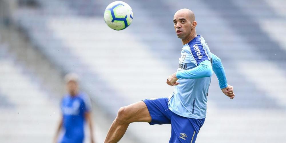Grêmio anunciou na manhã desta quinta-feira o rompimento amigável de contrato com Diego Tardelli - Foto: Lucas Uebel/Grêmio/Divulgação/CP