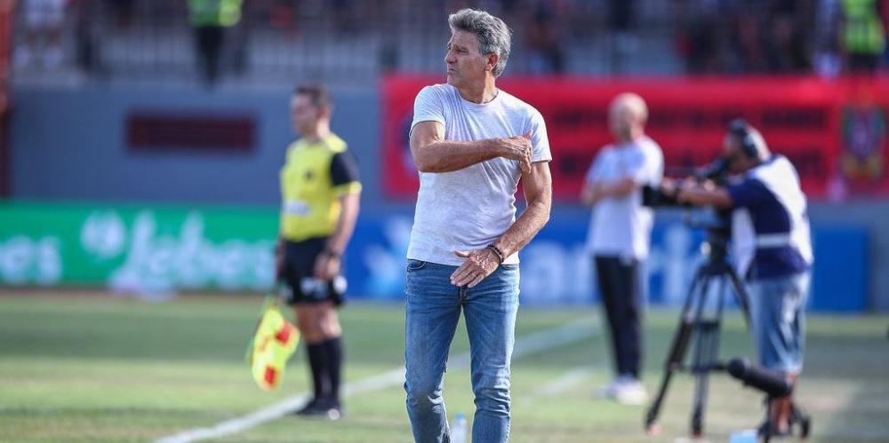 Renato Portaluppi revelou que contratação de Diego Souza e Thiago Neves deixará o Grêmio com um time mais