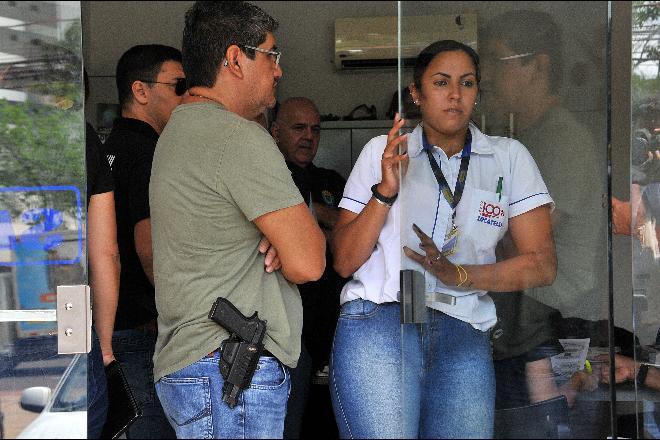 Polícia nas ruas para tentar coibir os abusos de donos de postos - Foto: Valdenir Rezende/Correio do Estado
