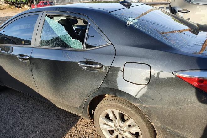Carro do deputado federal foi alvejado por cinco disparos - Foto: Reprodução/Facebook