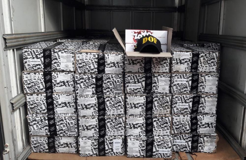 Caixas com essências de narguilé — Foto: DOF/Divulgação