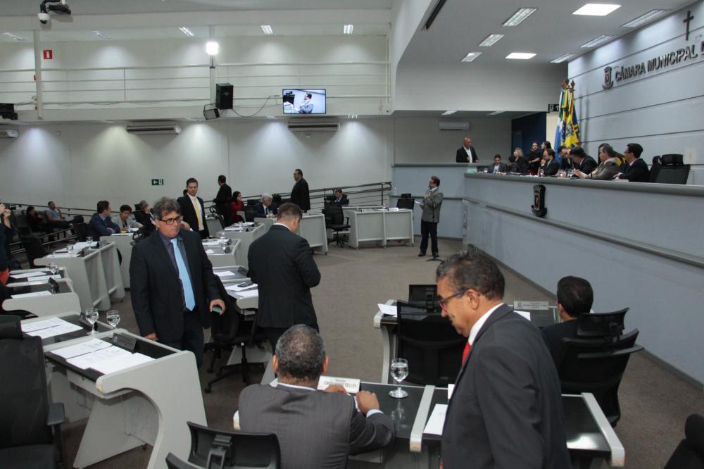 Comissão pede prazo para ampliar debate e votação do Pro-Redes é adiada na Câmara
