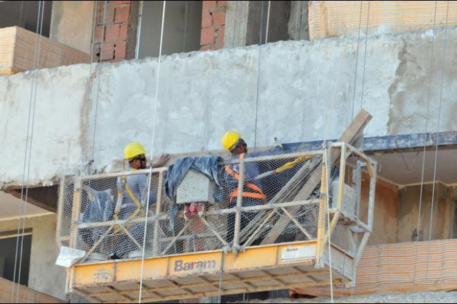 Setor da construção civil estava parado desde a semana passada por meio de decreto - Foto: Álvaro Rezende/Arquivo Correio do Estado