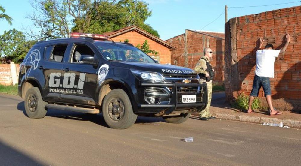 Policiais prenderam suspeito de atacar mulheres na rodovia BR-163 — Foto: Polícia Civil/Divulgação