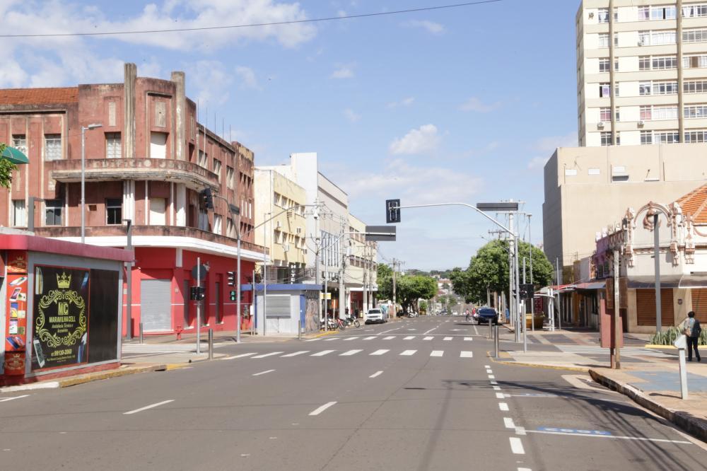 No Centro, lojas ficaram duas semanas fechadas - Foto: Kisie Ainoã/Arquivo