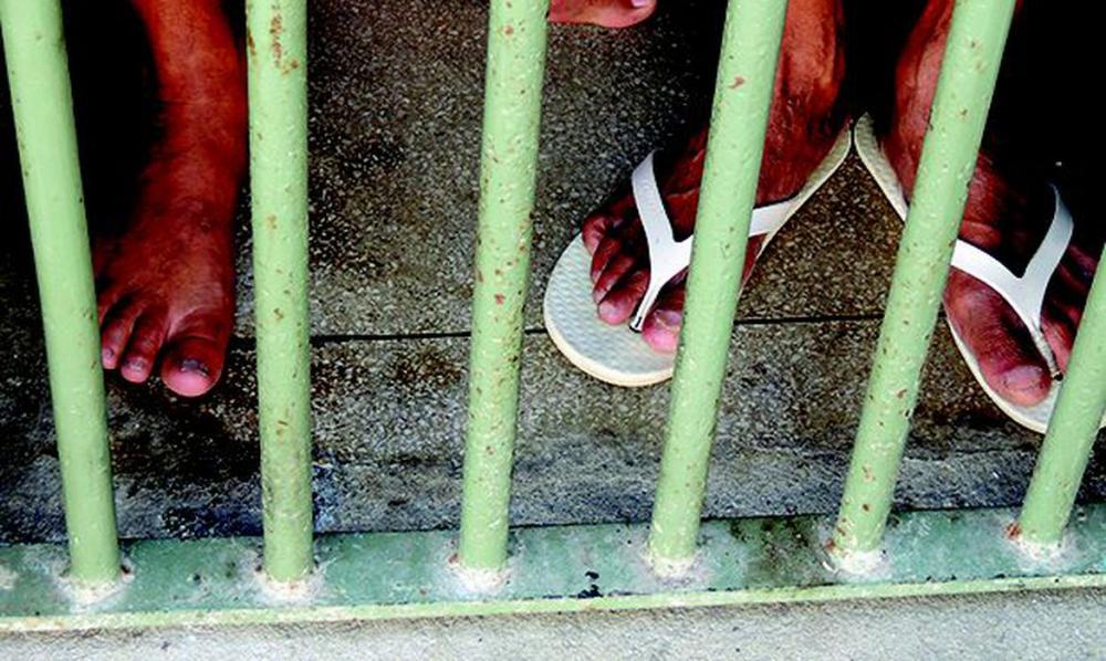 Justiça revoga liminar que permitia soltar presos com mais de 60 anos no RJ