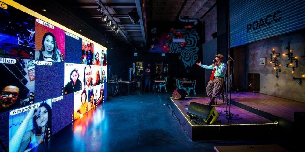 Nova plataforma virtual permite que humoristas interajam com a plateia