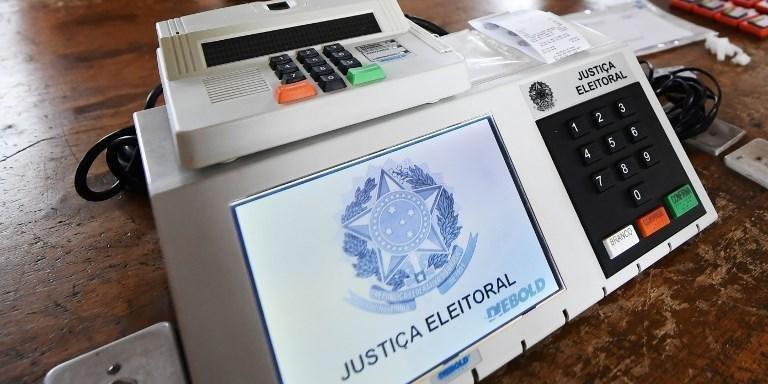 Prefeitos insistem na suspensão das eleições em 2020 - Foto: Evaristo Sa/AFP