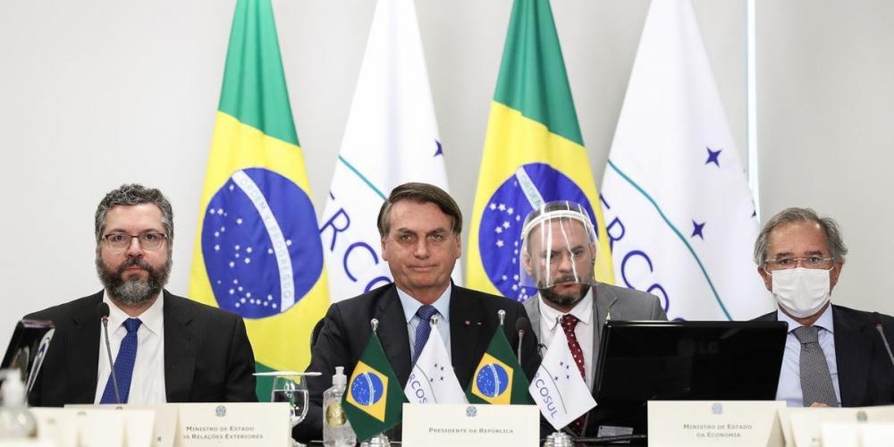 Bolsonaro promete atacar