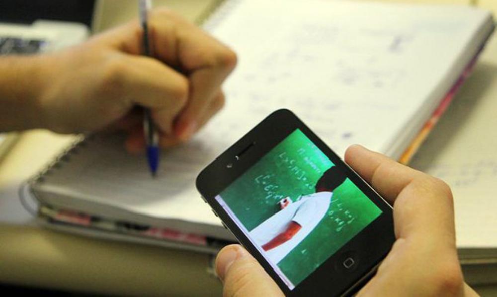 Com digitalização de salas de aula, pandemia acentua exclusão escolar